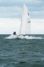 Barton sponsors steve smith round uk sailing challenge
