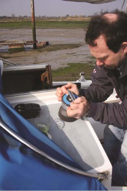 Fitting the Barton Wincher - Step 2: Fitting Wincher onto drum